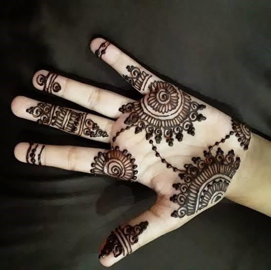 Asymmetrical henna design