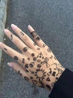 Simple doodle henna design
